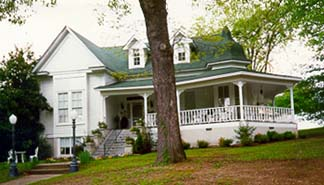 Rose House Inn Bed & Breakfast - Fayette, Alabama